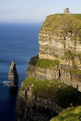 <h5>10 Cliffs of Moher © Tourism Ireland/Chris Hill</h5>